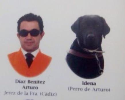 Пес «окончил» университет в Испании